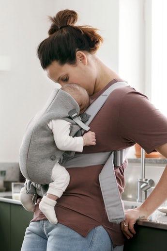 babybjorn-baby-carrier-mini-light-grey-3d-jersey-021072